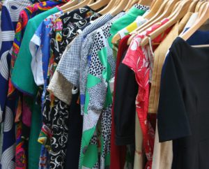 how to sell vintage clothing online